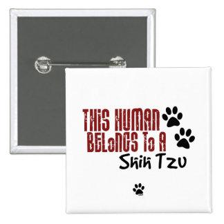 Este ser humano pertenece a un Shih Tzu Pin Cuadrado