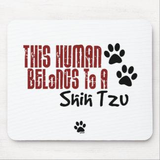Este ser humano pertenece a un Shih Tzu Alfombrillas De Raton