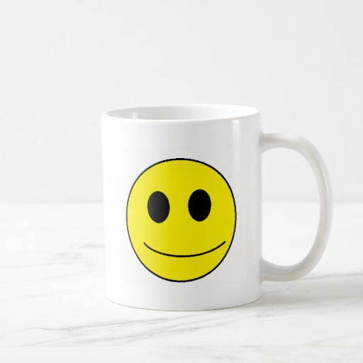 Esté sonriente, sea feliz taza clásica