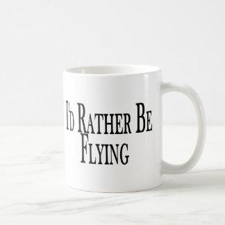 Esté volando bastante taza de café