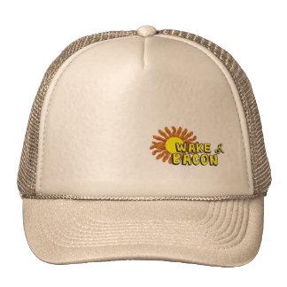 Estela y gorra del tocino