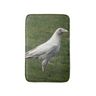 Estera de baño blanca rara del cuervo y de la