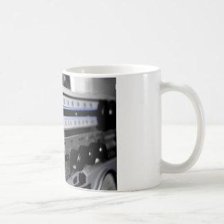Estéreo de la escuela vieja taza de café