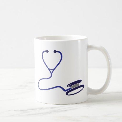 Estetoscopio azul taza de café