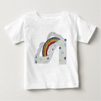 Estilete del arco iris ninguna camiseta del bebé