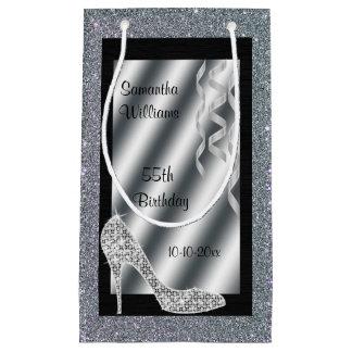 Estilete reluciente de plata y cumpleaños de las bolsa de regalo pequeña