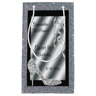 Estilete y dulce relucientes de plata 16 de las bolsa de regalo pequeña