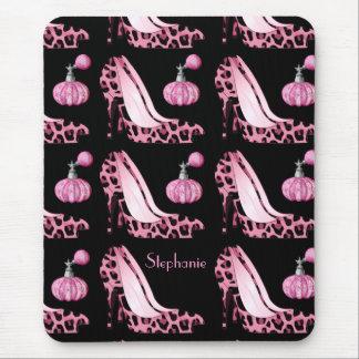 Estiletes de Jaguar y botellas rosados de Purfume  Alfombrillas De Raton