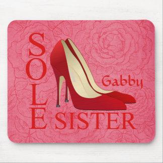 "Estiletes rojos de moda ""única hermana"" Mousepad"