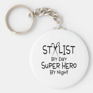 Estilista del superhéroe del día por noche llavero personalizado