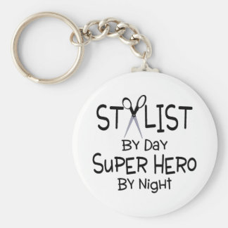 Estilista del superhéroe del día por noche llavero redondo tipo pin