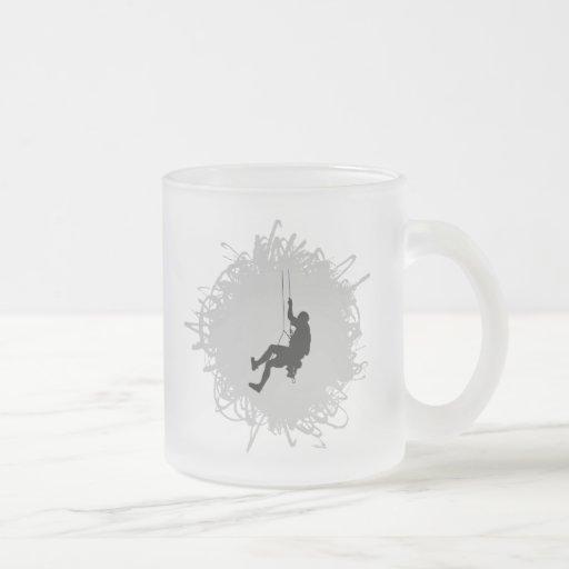 Estilo del garabato de la escalada taza cristal mate