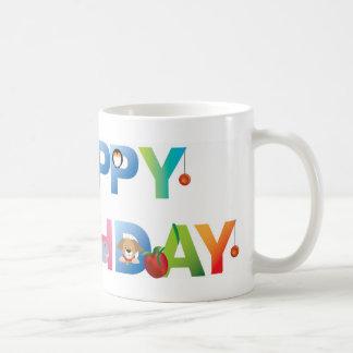 estilo del niño joven del feliz cumpleaños tazas