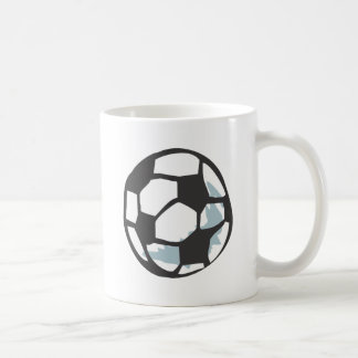 Estilo dibujado del balón de fútbol a disposición tazas