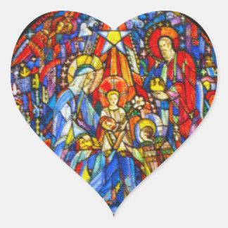 Estilo pintado natividad del vitral pegatina en forma de corazón
