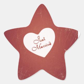 Estilo retro del vintage apenas casado en rojo calcomanías forma de estrella personalizadas