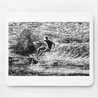 Estilo retro del vintage que practica surf alfombrilla de raton