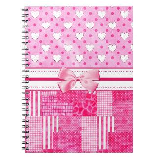 Estilo rosado femenino del libro de recuerdos libreta