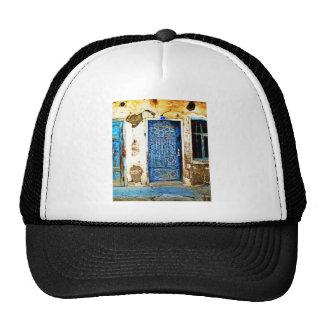 Estilo rústico de la puerta griega azul del gorras