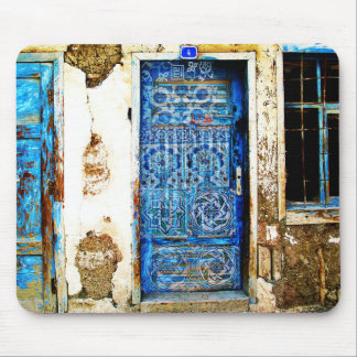 Estilo rústico de la puerta griega azul del mouse pads