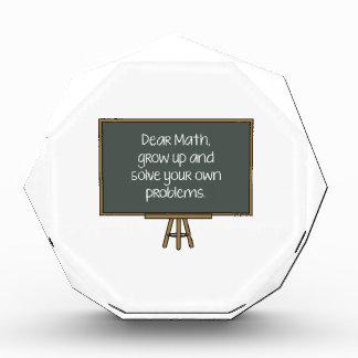 Estimada Math, crece y soluciona sus propios probl