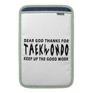 Estimadas gracias de dios por el Taekwondo Fundas MacBook