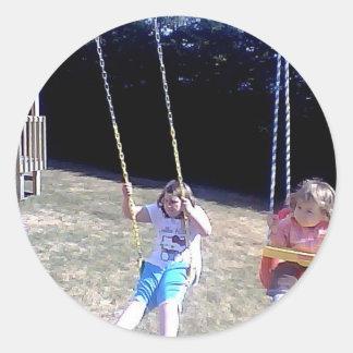 Estimados niños pegatina redonda
