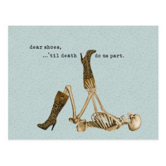 Estimados zapatos esqueléticos en amor tarjetas postales