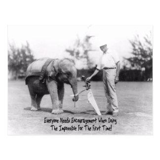Estímulo - elefante que juega a golf postal