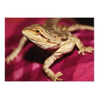 Estirar el dragón barbudo invitación 12,7 x 17,8 cm