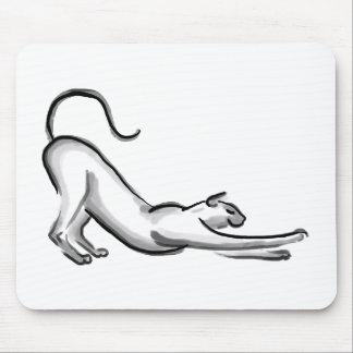 Estirar la pintura del cepillo del gato alfombrillas de raton