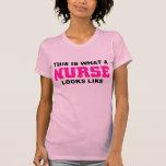 Esto es lo que parece una enfermera camiseta