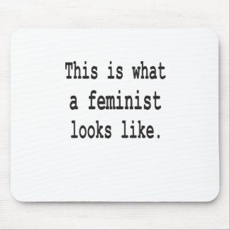 Esto es lo que parece una feminista alfombrillas de ratón