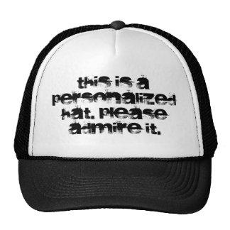 Esto es un gorra personalizado. Admírelo por favor