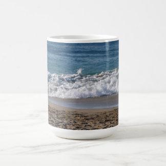 Esto es una fotografía de mi playa preferida hasta taza clásica