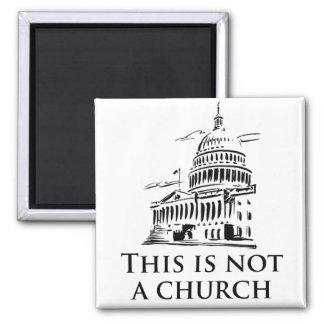 esto no es una iglesia imán cuadrado