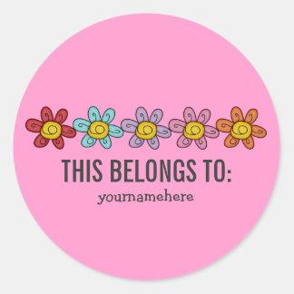 ESTO PERTENECE a los pegatinas lindos de la flor Pegatina Redonda