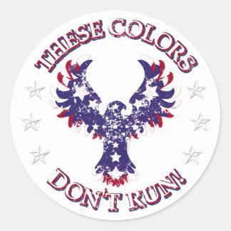 ¡Estos colores no corren! Estrellas y rayas de Pegatina Redonda
