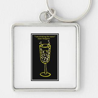 Estoy bebiendo la impresión del champán de las est llavero cuadrado plateado