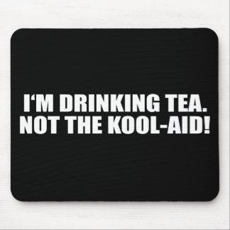 Estoy bebiendo la Kool-Ayuda del té no Tapetes De Raton