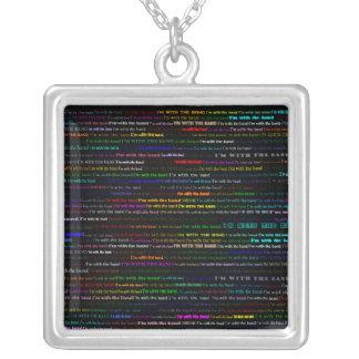 Estoy con el collar cuadrado del diseño I del text