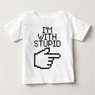 Estoy con estúpido tee shirts