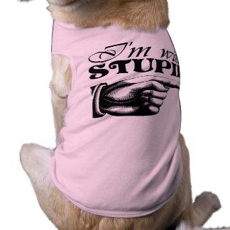 Estoy con la camisa estúpida del perro camisa de perro
