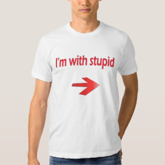 Estoy con la camiseta básica estúpida de American Playeras