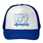 Estoy con mi BFF (se fue) Gorros