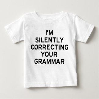 Estoy corrigiendo la gramática playera de bebé