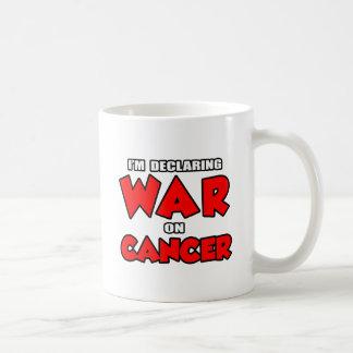 Estoy declarando guerra en cáncer tazas