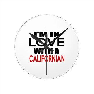Estoy EN AMOR CON EL CALIFORNIAN Reloj Redondo Mediano