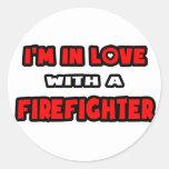 Estoy en amor con un bombero pegatina