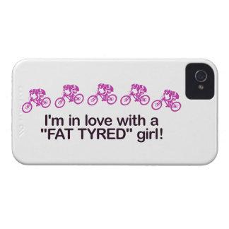 Estoy en amor con un chica puesto un neumático Case-Mate iPhone 4 coberturas